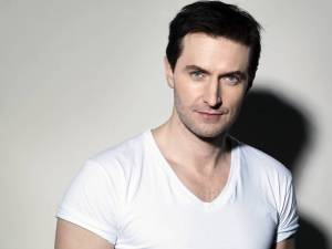 Beautiful-Richard-richard-armitage-20800440-2560-1920
