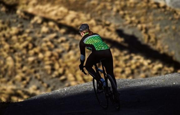 jaqueline_women_cycling_gilet_yellow_06